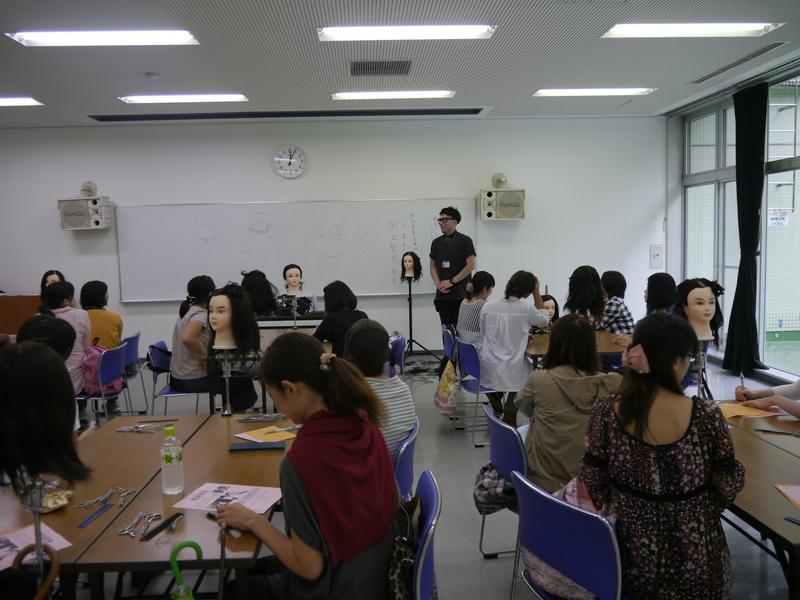 群馬県美容専門学校画像